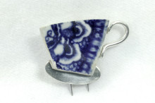 Ceramic tea cup brooch