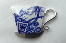 Ceramic large tea cup brooch