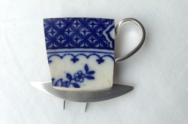 Ceramic mug brooch