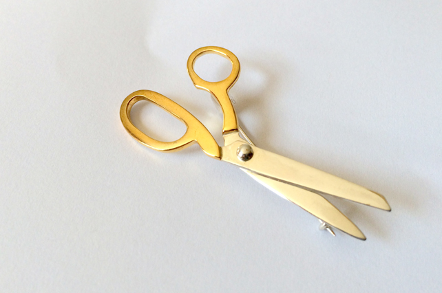 Gold plated scissors brooch